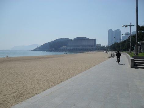Hae Un Dae Beach facing Dong Baek Island